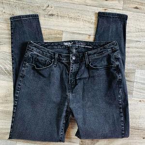 Mossimo Curvy Skinny Black 10 Short Jeans